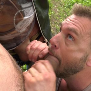 hans berlin sucks outdoors two cocks at the same time