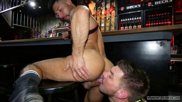 muscle stud gets rimmed on a barstool