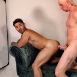 muscle stud with big cock ready to fuck bubble butt